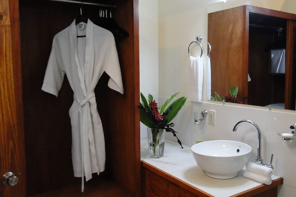 Standardna soba, 2 bračna kreveta - Kupaonica