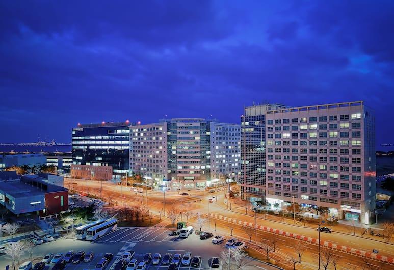 Prime Guest House, Incheon, Bagian Depan Hotel - Sore/Malam