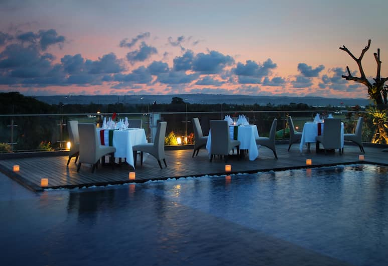 H Sovereign Bali, Tuban, Außenpool