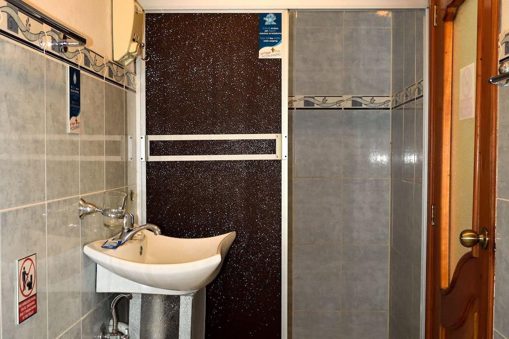 Panorama-dobbeltværelse - 1 queensize-seng - Badeværelse