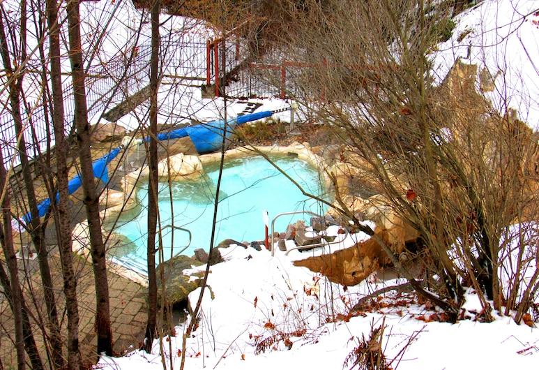 特樂姆樂斯迪拉加勒套房飯店, 特姆布朗特山, 室外 Spa 池