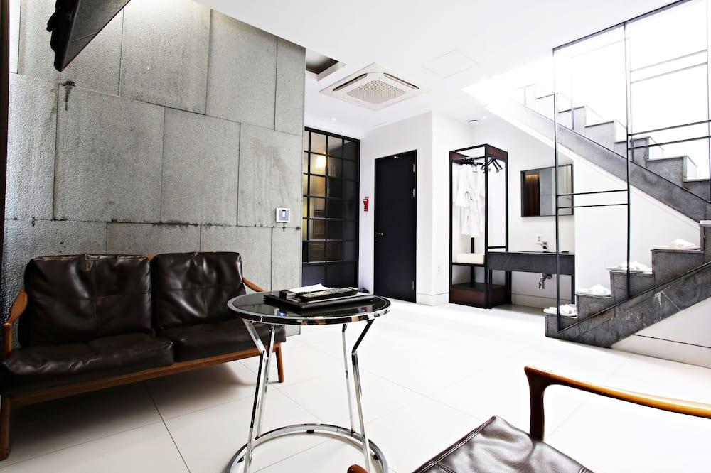 Pool party room - Obývací pokoj