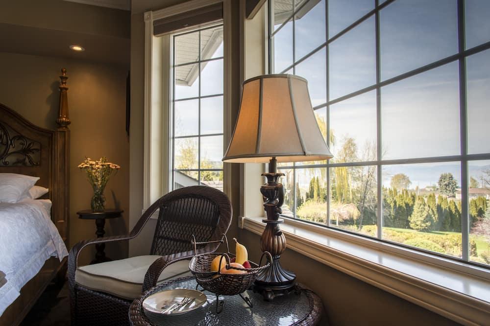Luxury tuba, 1 ülilai voodi, vaade järvele - Tuba