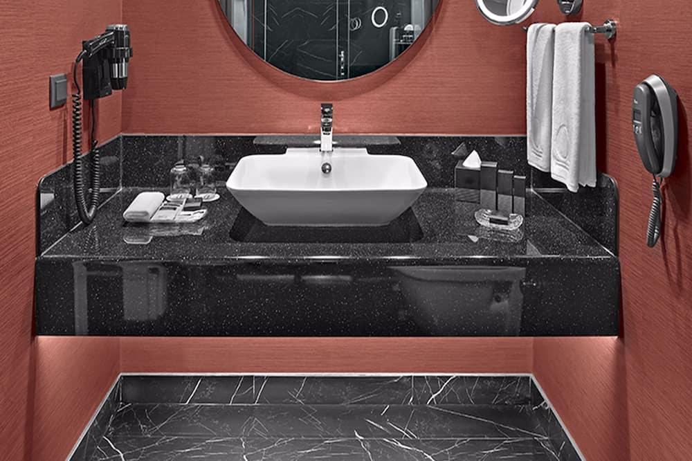 Standard King Sky View Room - Ντουζιέρα μπάνιου