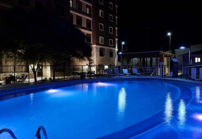 Staybridge Suites Chihuahua, Chihuahua, Pool