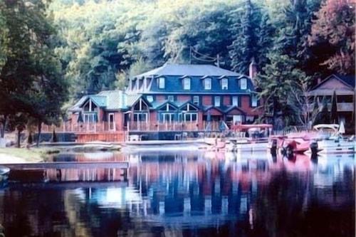 哈莫尼湖酒店/