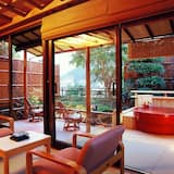 Suou tei - Japanese Traditional Room with Private Open Air Bath - Living Area