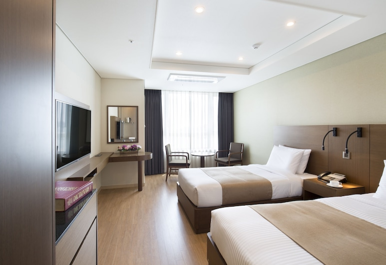 Crown Harbor Hotel Busan, Busan, Deluxe Twin Room, City View, Guest Room
