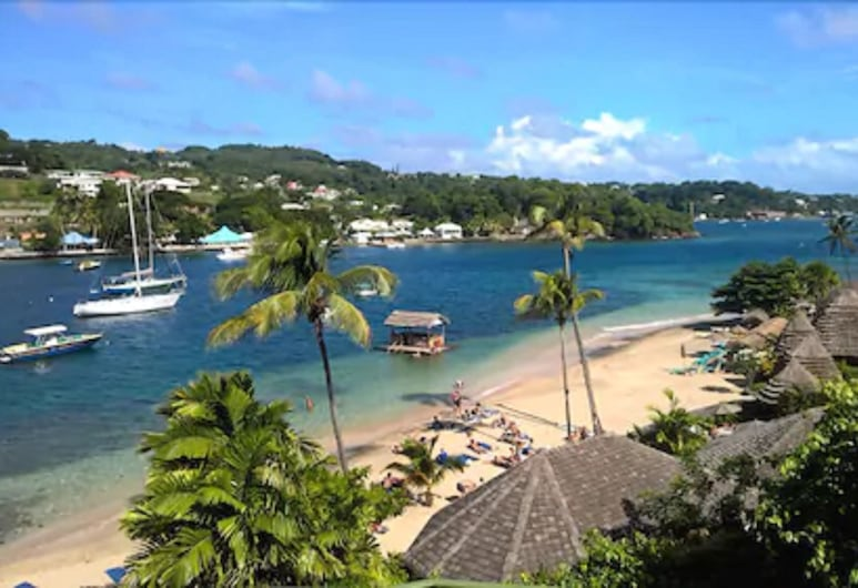 Young Island Resort, Villa, Beach