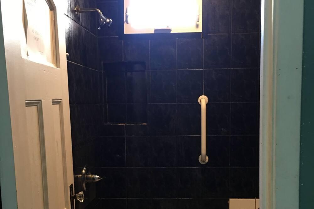 Single Room, 1 Twin Bed, Shared Bathroom - Bathroom