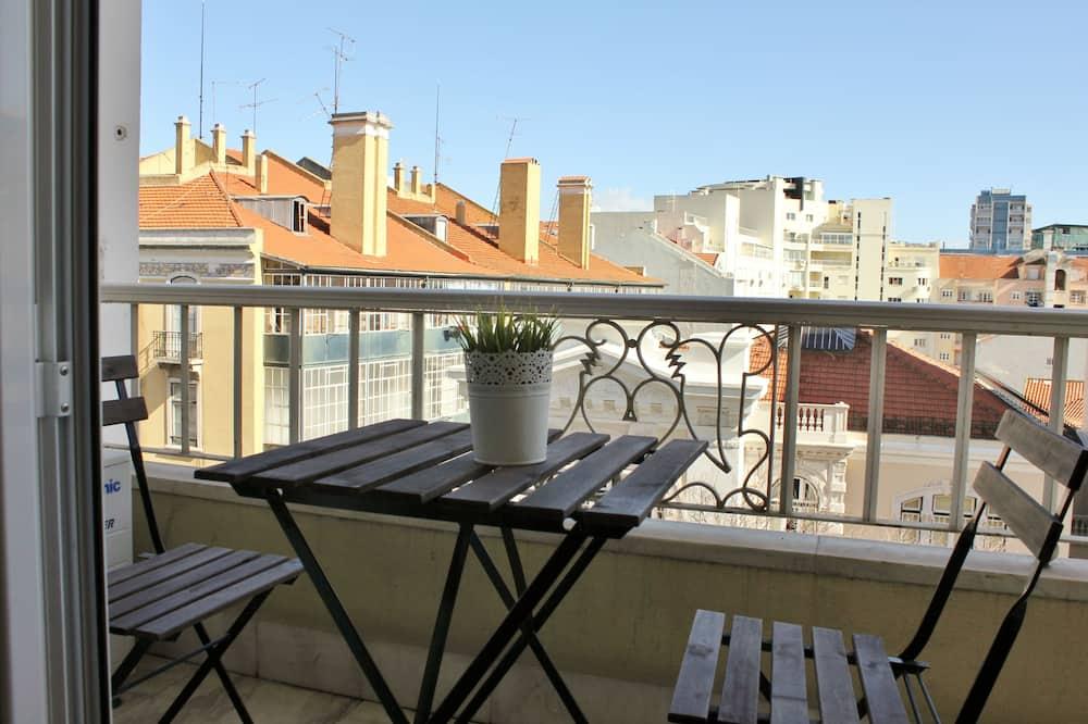 Triple Room (1 double and 1 single) - Balcony