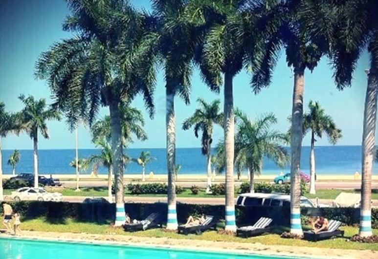 Hotel Baluartes, Campeche, Välibassein