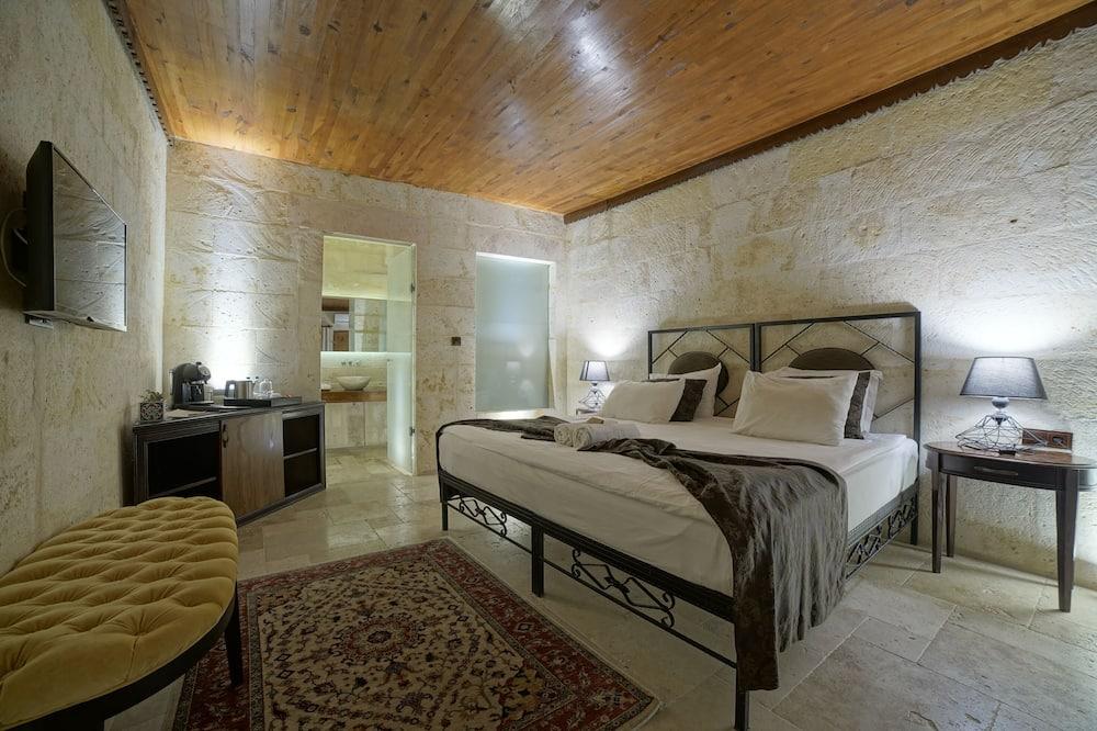 Executive Stone Room - Living Room