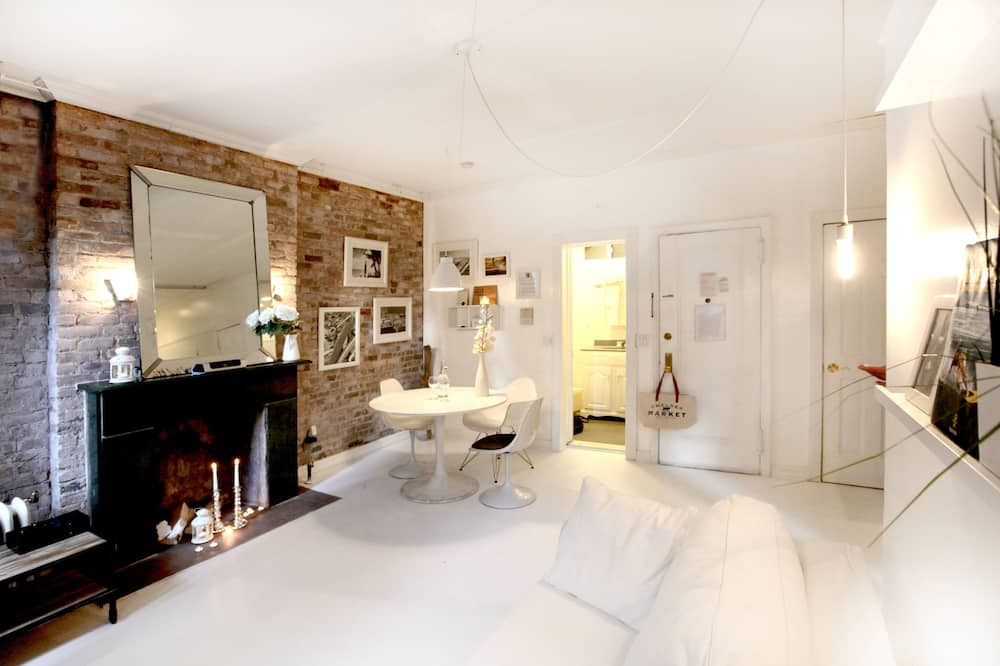 ดีไซน์อพาร์ทเมนท์, 1 ห้องนอน, ห้องครัว - พื้นที่นั่งเล่น