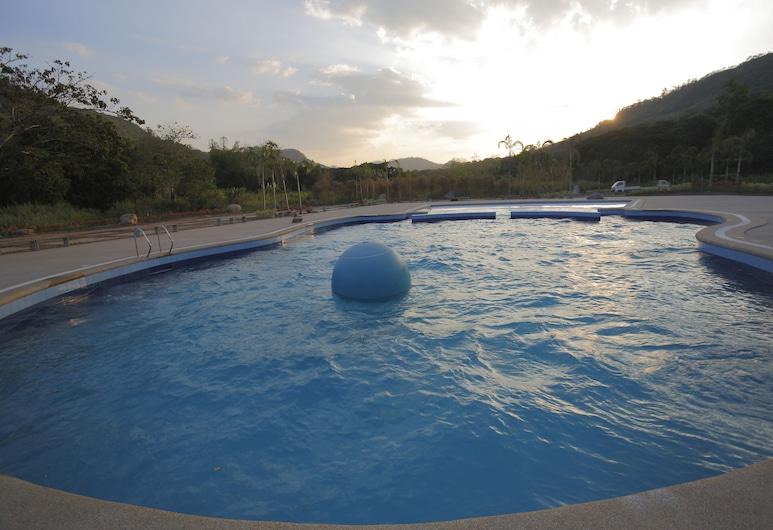 Green Canyon Leisure Farms, Cidade de Mabalacat, Casa de banho