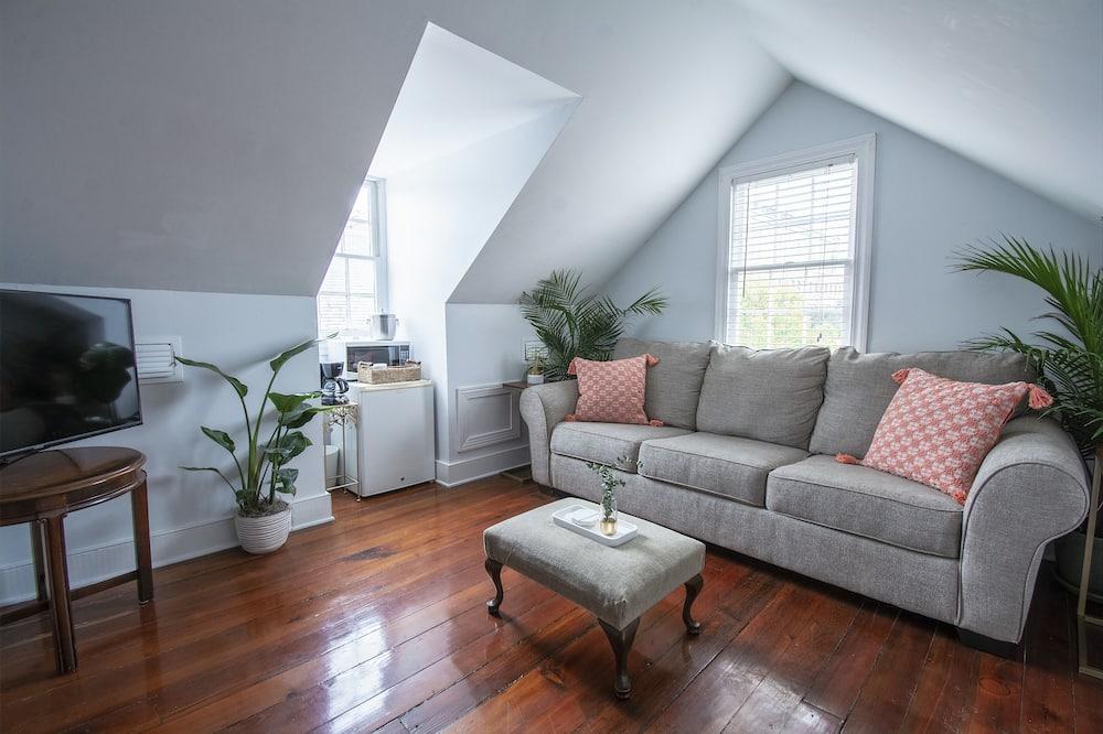 經典客房, 1 張加大雙人床及 1 張梳化床 (Room #7) - 客廳