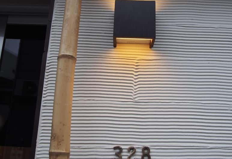 328 號休閒旅舍, 東京, 外觀