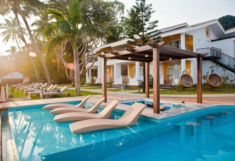 Acron Waterfront Resort, Baga