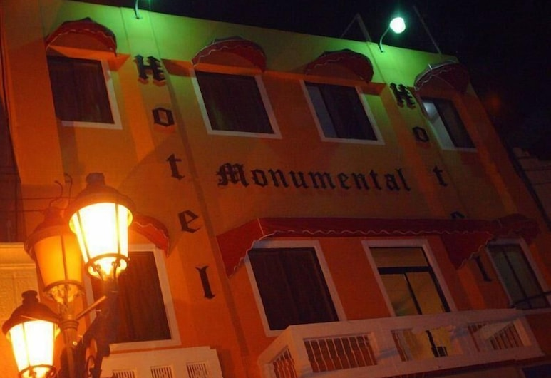 摩尼門塔爾酒店, 聖多明哥