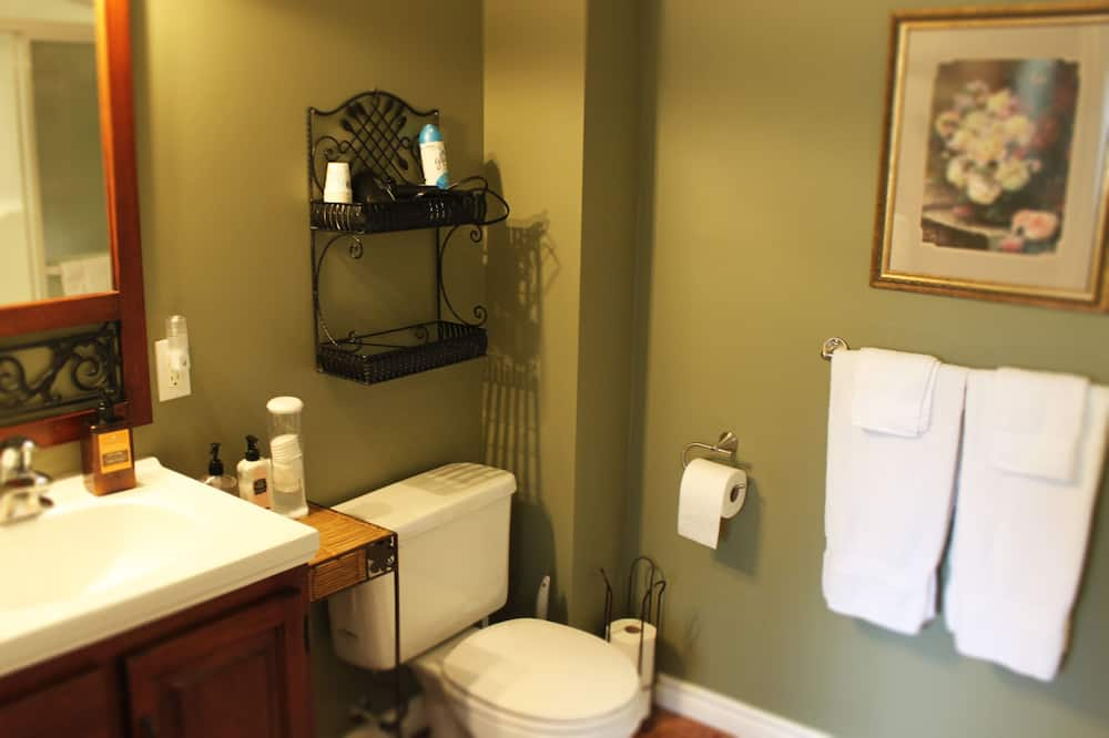 The Forest View Suite - Bathroom