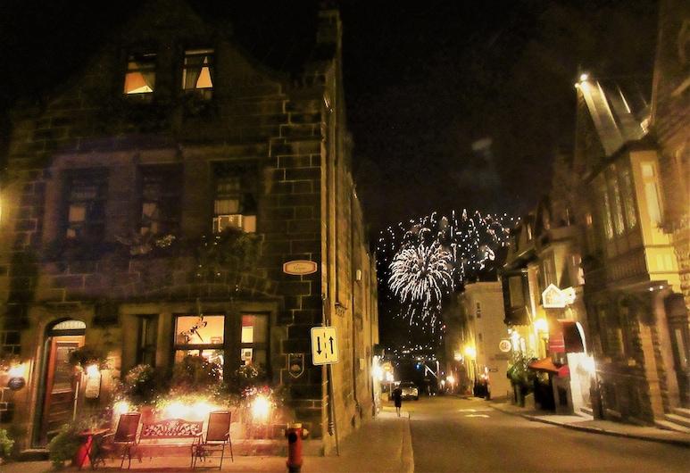 La Marquise de Bassano, Quebec, Hotel Front – Evening/Night