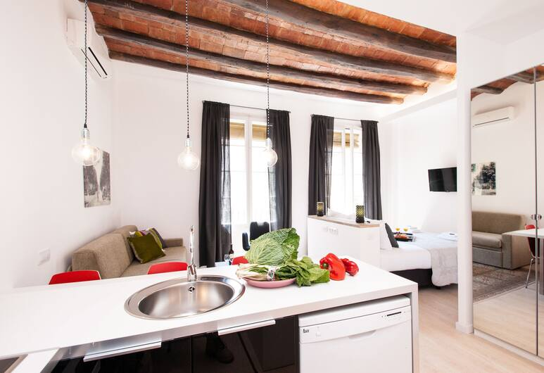 Short Stay Group Gracia Serviced Apartments, Барселона, Улучшенная студия, Номер