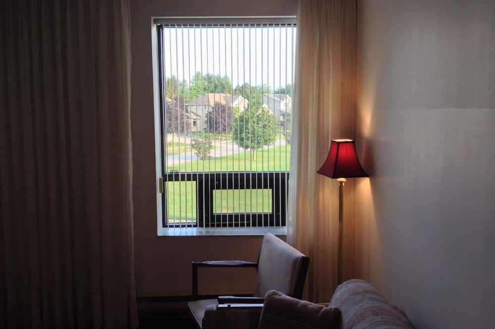 Номер-люкс категорії «Комфорт», 1 ліжко «кінг-сайз», ванна з гідромасажем (& Sitting Room) - Житлова площа