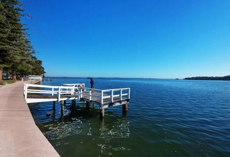 El Lago Waters Tourist Park, The Entrance, Vista desde el establecimiento
