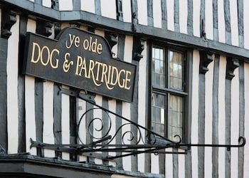 A(z) Dog & Partridge Hotel hotel fényképe itt: Burton on Trent