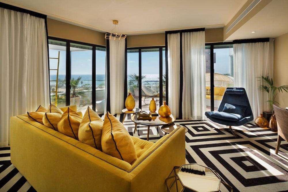 Çatı Katı Süiti (Penthouse), Sıcak Su Havuzu, Kısmi Deniz Manzaralı (Studio) - Oda