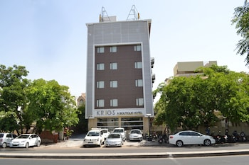 Enter your dates to get the Ahmedabad hotel deal