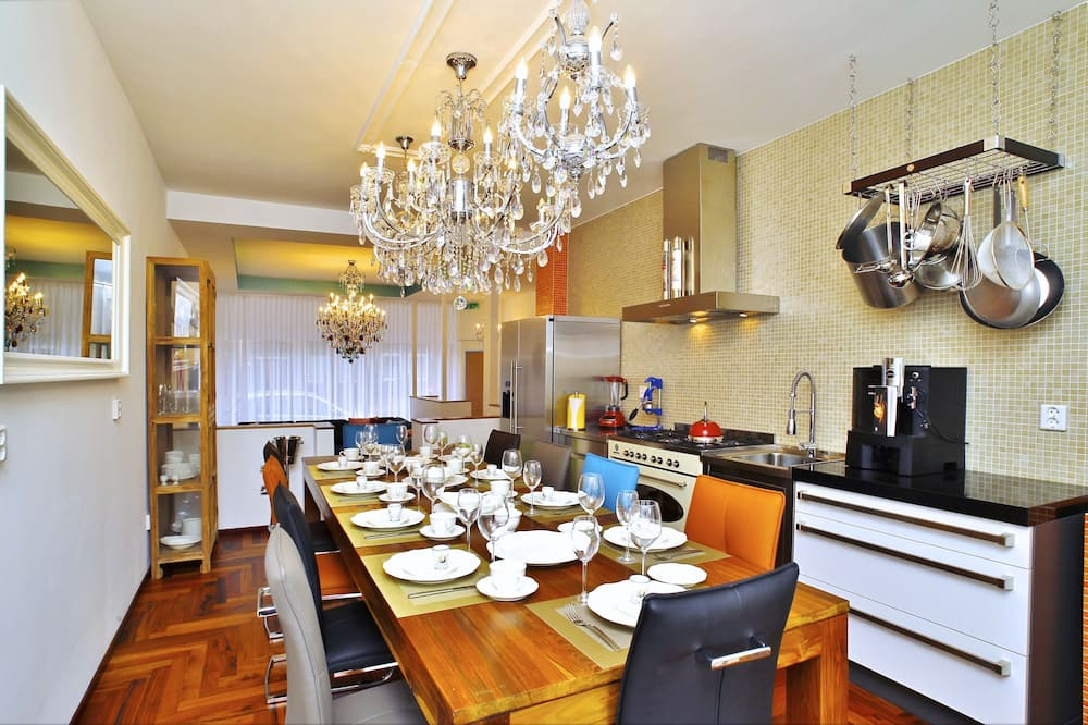 Family Apartment (10 Persons) - In-Room Dining