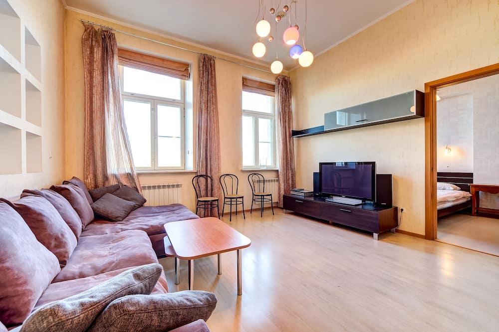 Apartment, 1 Bedroom (Karavannaya Ulitsa, 5) - Living Room