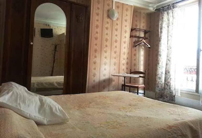 Hôtel de Nantes, Paris, Standard Double Room, Guest Room