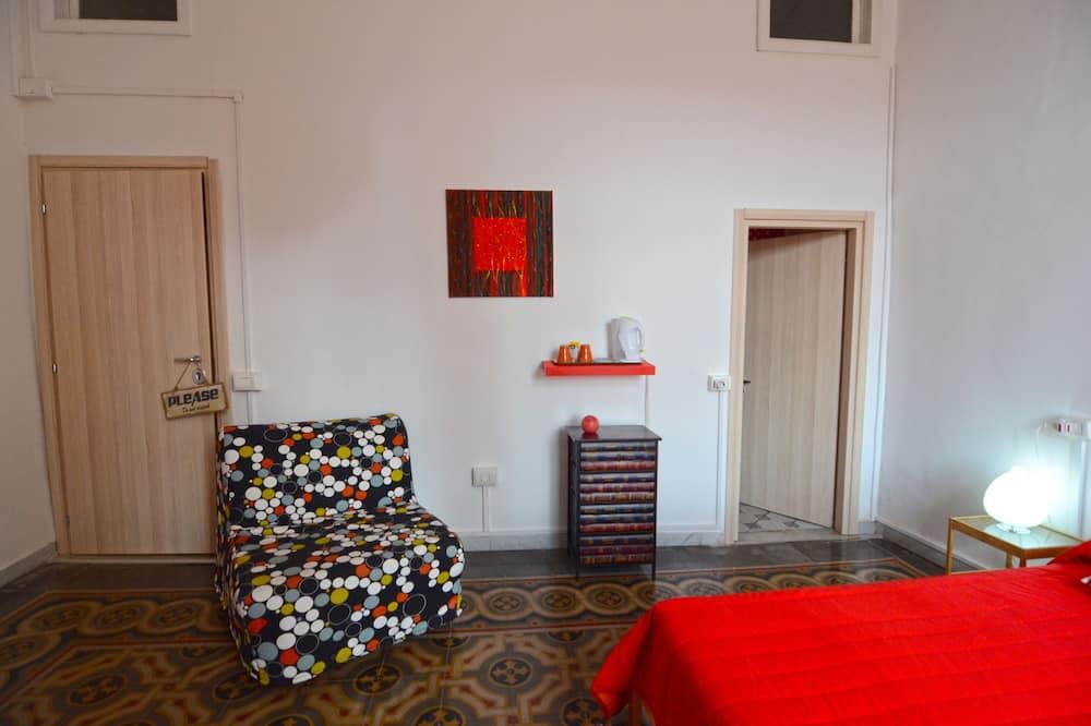 Comfort Double or Twin Room, 1 Bedroom, City View - Living Area