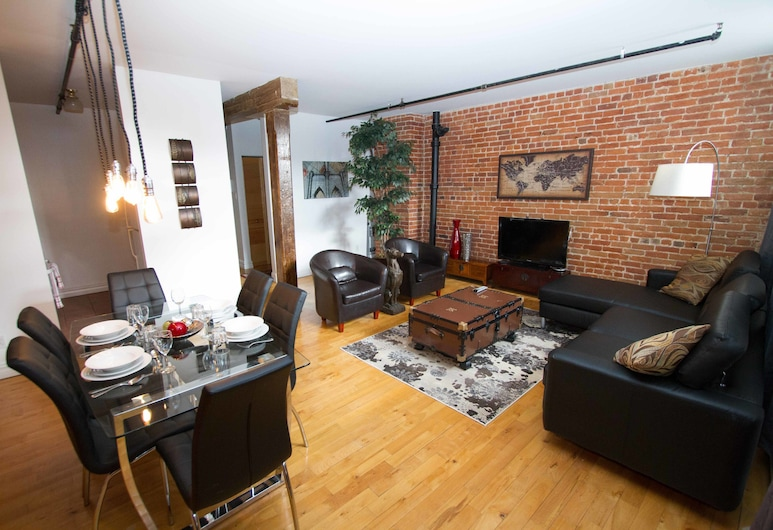 LikeAHotel - Les McGill, Vieux Montreal, Montreal, The McGill, 2 Bedrooms, Living Area