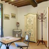 Suite Studio Familiale, 1 lit double et 1 canapé-lit, vue ville, côté cour intérieure - Balcon