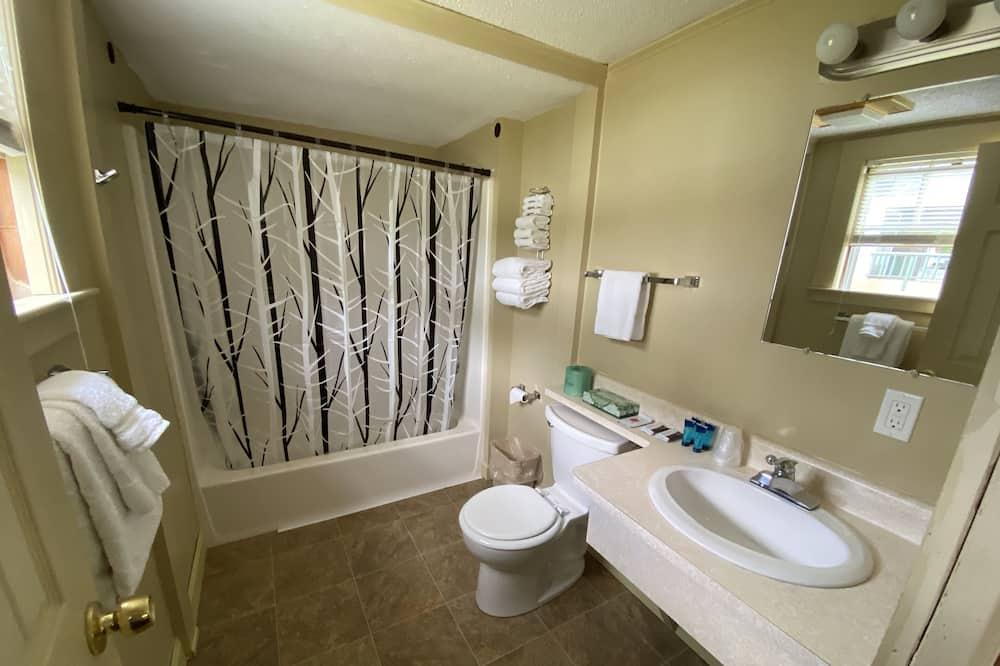 Будиночок, 2 двоспальних ліжка - Ванна кімната