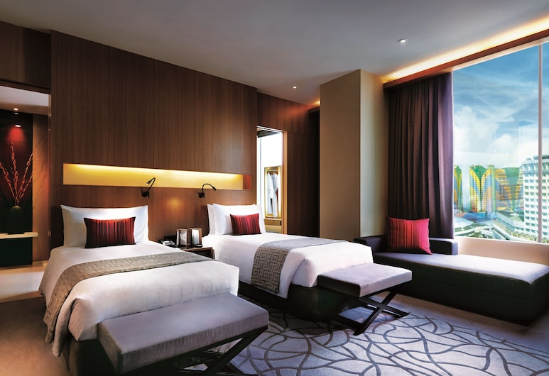 Resorts World Genting - Highlands Hotel, Genting Highlands, Maxims Executive, Guest Room