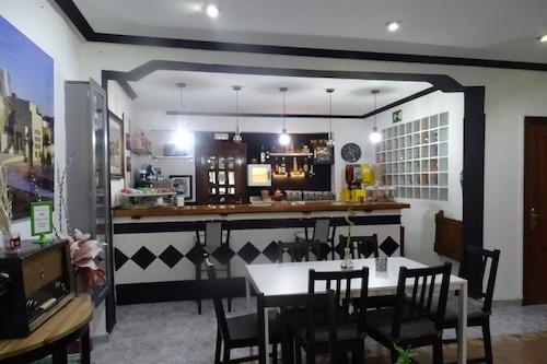 拉埃斯特雷奧斯塔圖飯店/