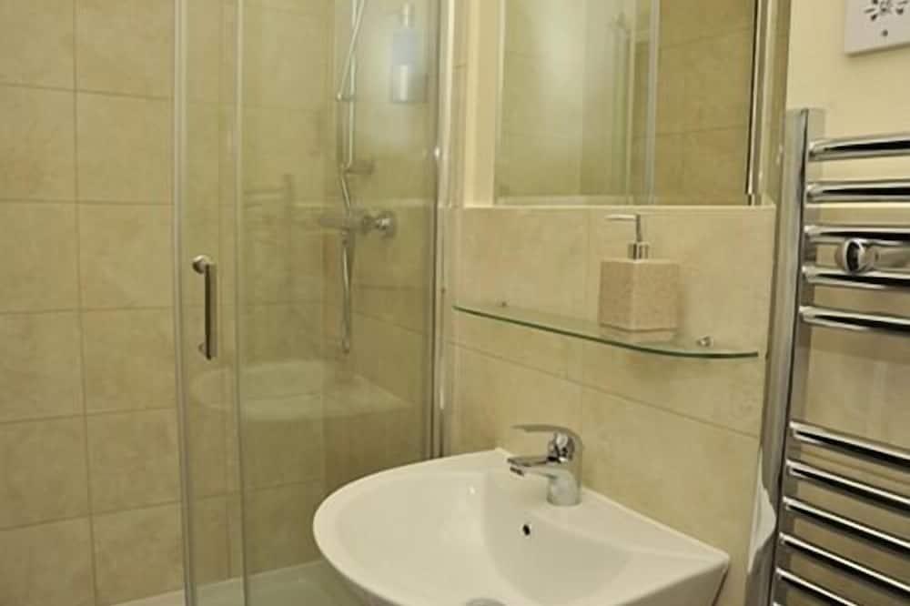 Superior Double Room, Ensuite (Ground Floor) - Bathroom