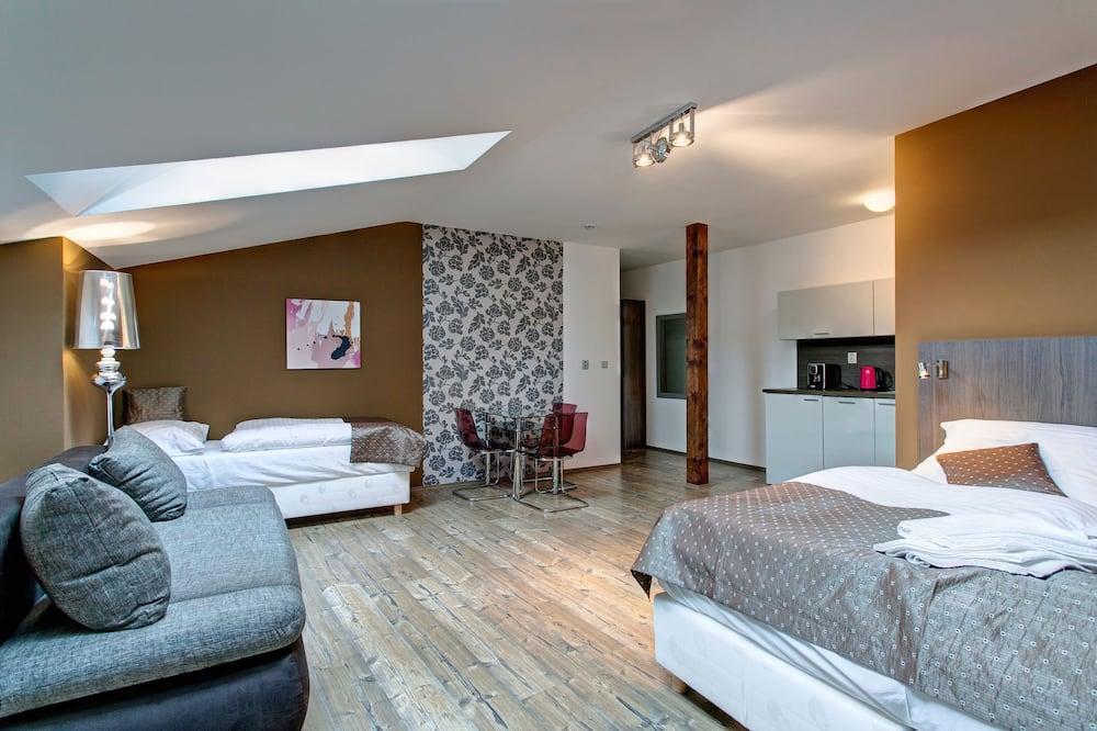 Family Apartment - Children's Theme Room