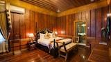 Choose This Luxury Hotel in Mandalay