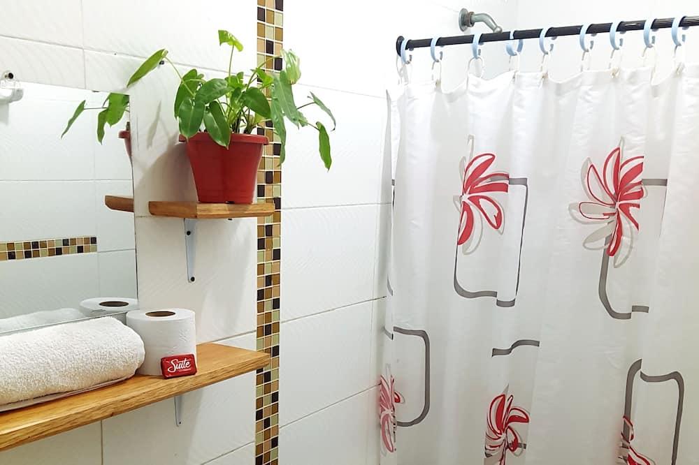 Dormitório Partilhado Standard, Casa de Banho Partilhada - Casa de banho