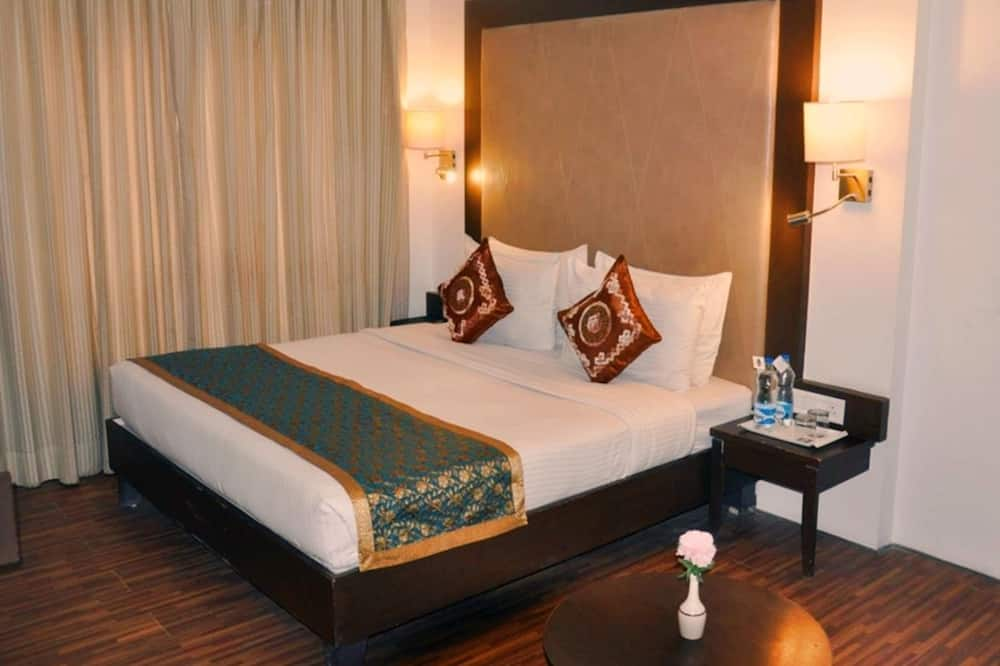 חדר פרימיום זוגי, מיטת קינג, ללא עישון, חדר רחצה פרטי - חדר רחצה
