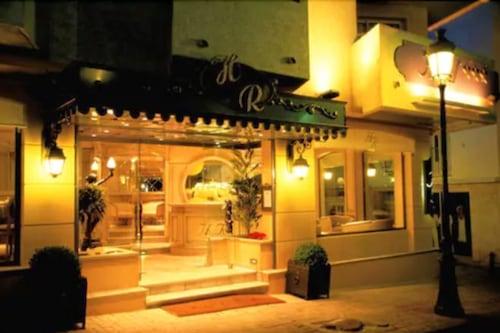 樂羅酒店/