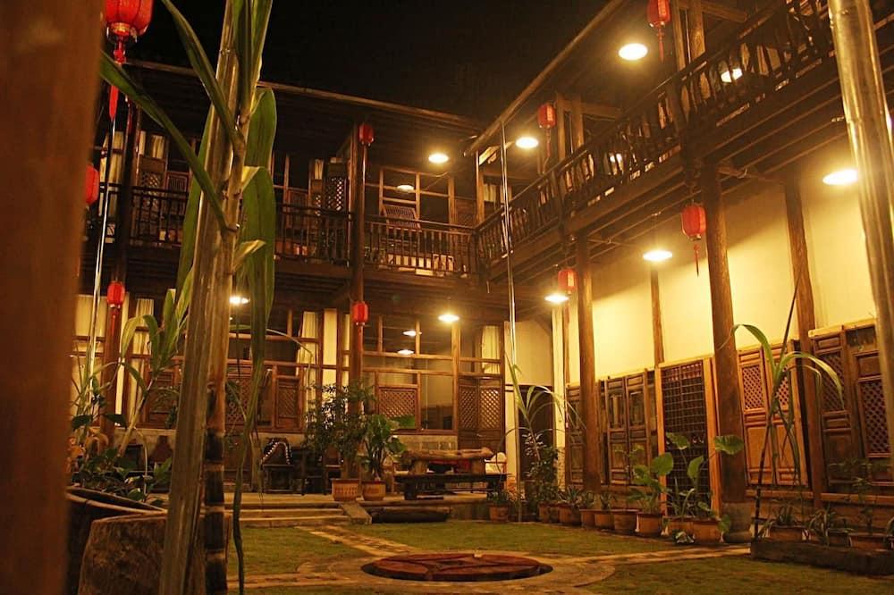 Chama Hotel