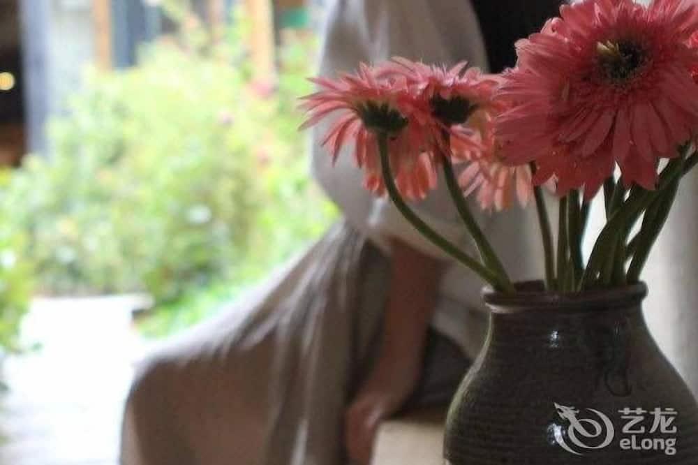 Blossom Hill Inn Shangri-la