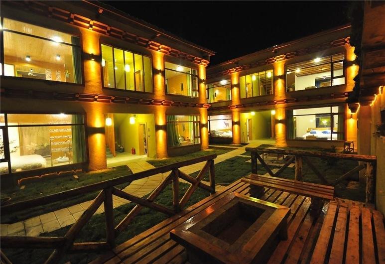 the Vitality inn, Deqin, אזור חיצוני