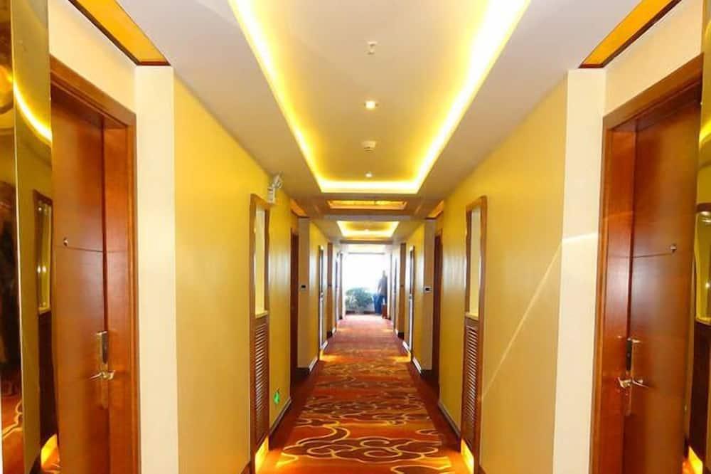 Fuyong Yinfa Hotel